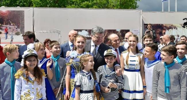 Блогер: лживые журналисты в одном порыве с Клименко, Шарием не понимают, что они «валят» не Порошенко, а себя и свою страну