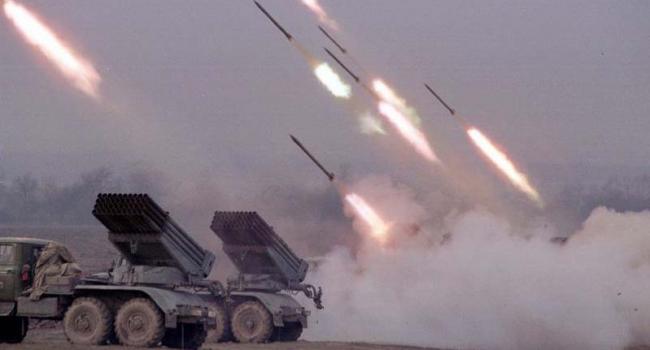 Блогер: поки Росія б'є по сусідній країні бочковими ракетами, чхати я хотів на буревій в Москві