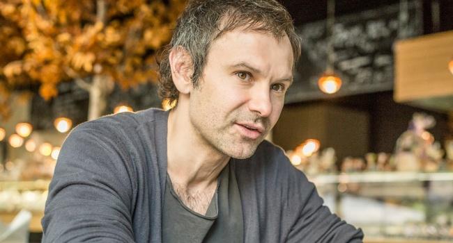Режиссер: Вакарчук очень интересный, но в политике его «обгадят»