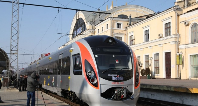 Холм: Укрзализныця начала реализацию билетов напоезд Ковель