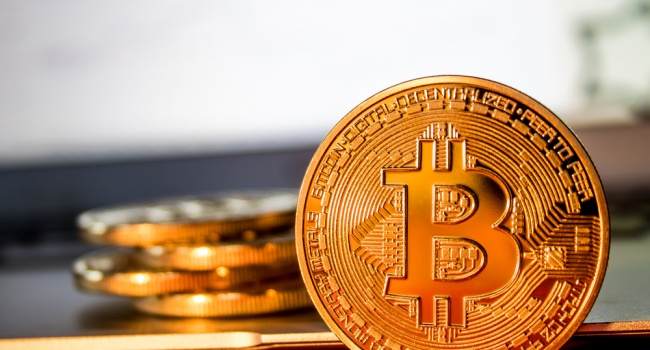 Атланты рынка криптовалют не сдают позиций