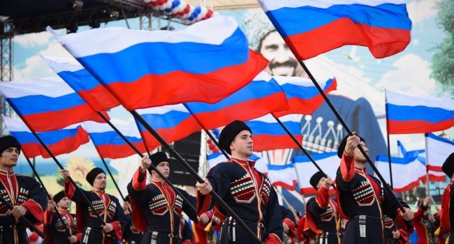 Россияне не знают, какой праздник отмечают 12 июня