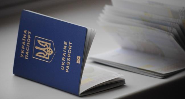 ЄС проти ідеї Порошенка недавати «біометрики» мешканцям Криму і ОРДЛО