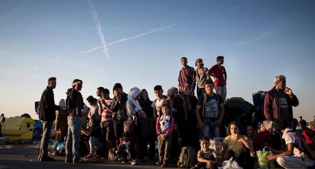 Єврокомісія притягне до відповідальності Угорщину, Польщу і Чехію за відмову приймати біженців