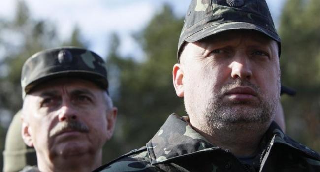Политолог о словах Турчинова: активного наступления не будет, но противодействие российской агрессии усилится