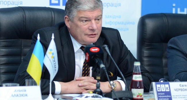 Политолог: даже самая мягкая украинизация, таким как Червоненко, поперек горла
