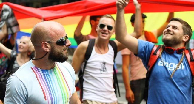 Волонтер: сегодня националисты, монархисты, коммунисты и «медведчукисты» пойдут мочить гомосексуалистов