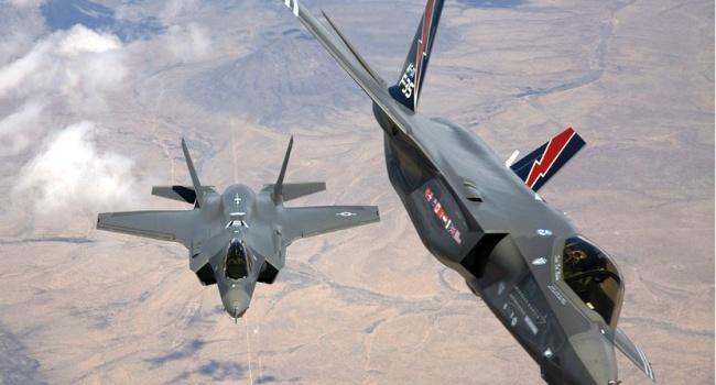 Вашингтон пообіцяв жорстко відповісти росіянам в разі наявності загроз для американської авіації в Сирії