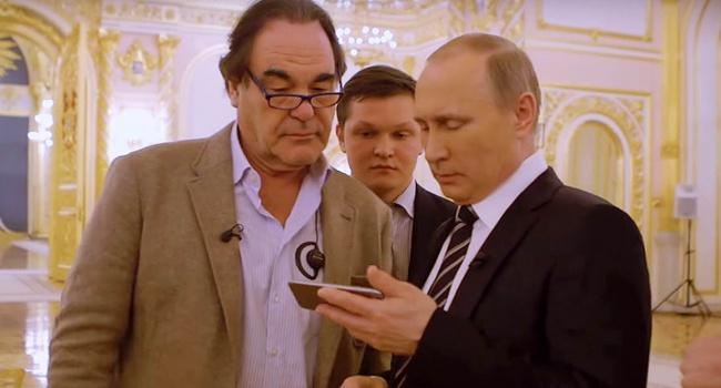 Ні дня без брехні: Путін продемонстрував Оліверу Стоуну фейкове відео