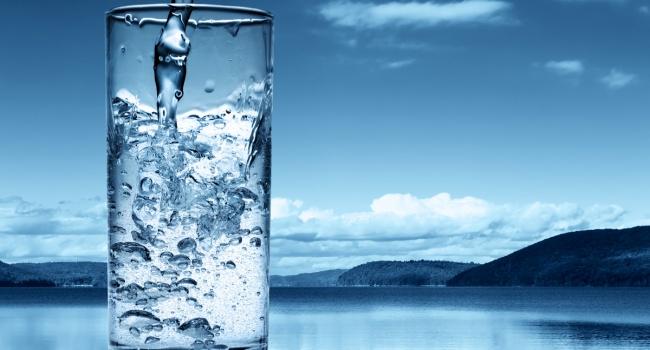 Ученые вывели формулу расчета нужного для человека объема воды