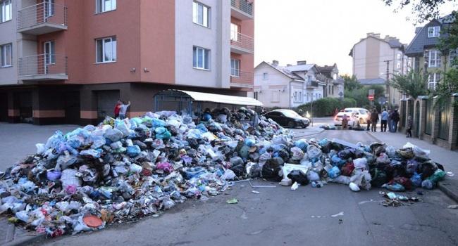 Зубко: власти Львова должны решить «мусорную проблему» за две недели