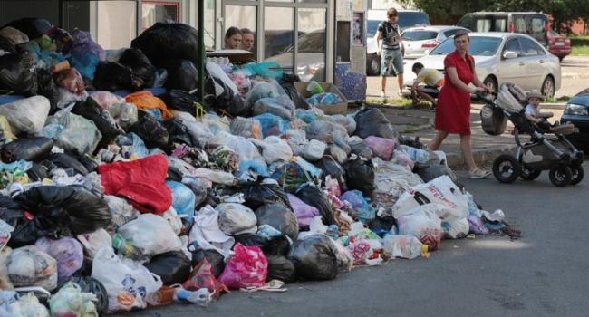 Садовий відзвітував щодо сміттєвої проблеми у Львові