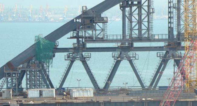 Украина желает компенсации убытков отРФ из-за Керченского моста