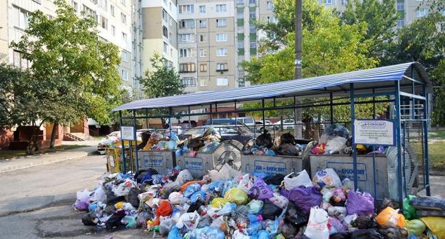 Зубко отчитался о процессе вывоза мусора из Львова