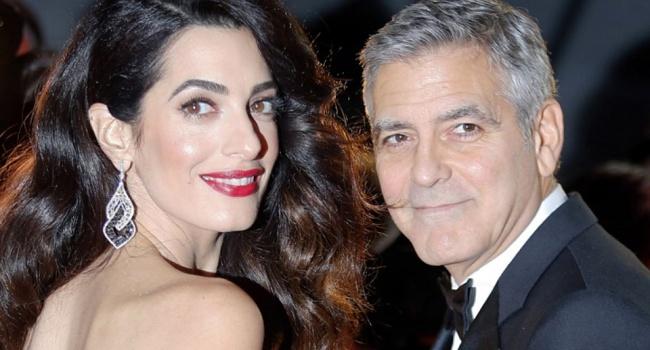 Джордж Клуни впервый раз появился напублике сдетьми