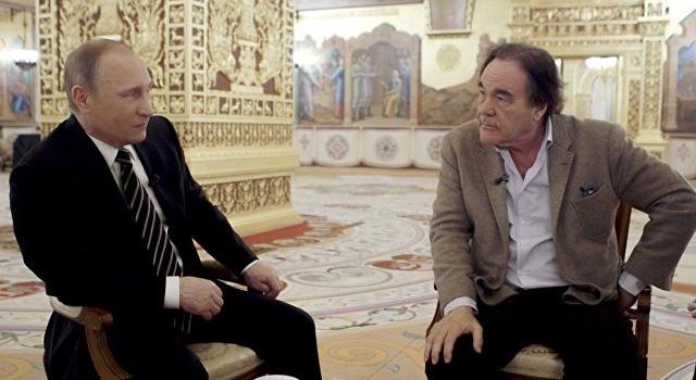Путін зізнався, щозаснув під час перегляду фільму Стоуна про себе