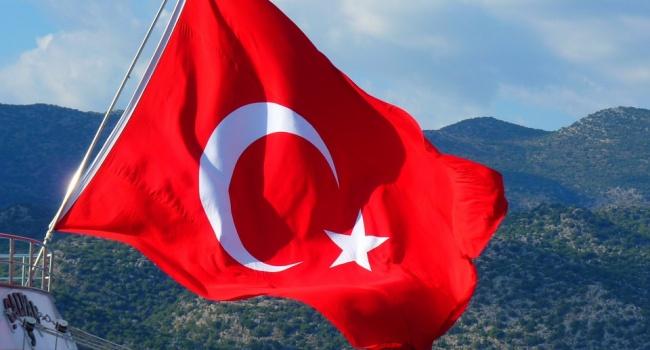 Власти Турции внесли четыре тысяч граждан РФ в «черный список»
