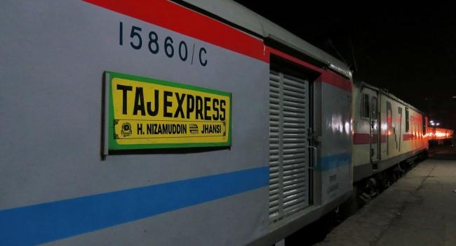ВИндии запустили поезд, работающий отсолнечных батарей
