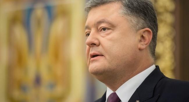 Порошенко поздравил граждан Луганской области сосвобождением