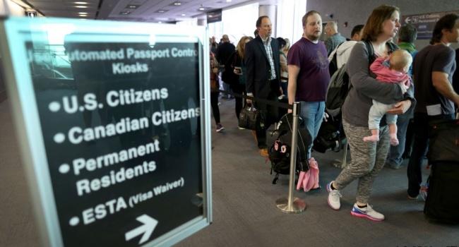 Аеропорти США посилять правила огляду електронних пристроїв