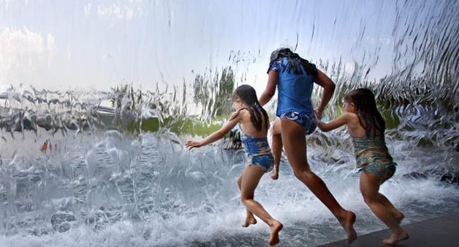 Погода вУкраїні: завтра спека до34°, злива, грози і град