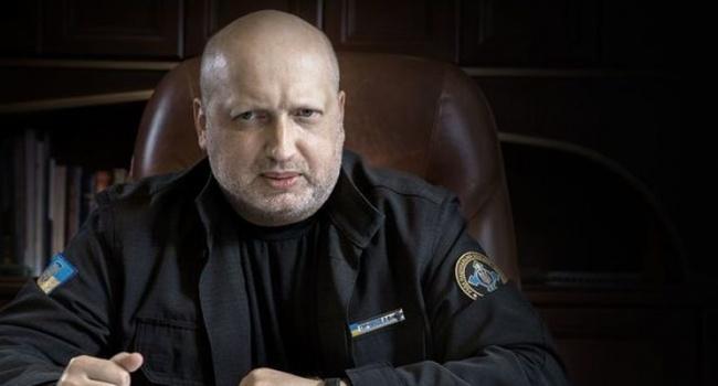 Турчинов: Уздовж всієї лінії розмежування наДонбасі встановлять системи блокування російських телеканалів