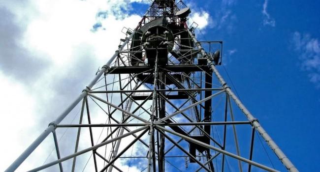 НаЛуганщині завершили монтаж вежі, яка транслюватиме українське телебачення