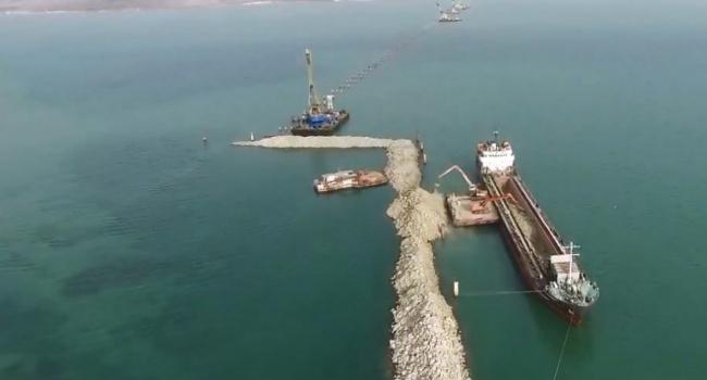 ВКерчь доставили 2-ой понтон для установки арок моста вКрым