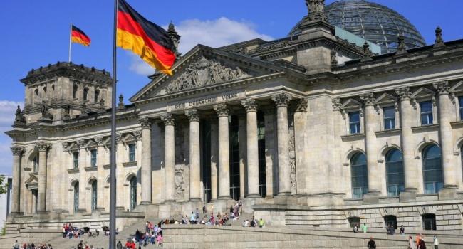 Деякі німецькі політики ігнорують анексію Криму і заохочують Кремль дозлочинів,— Клімкін