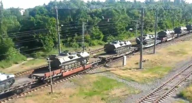 Военный корреспондент: В РФ зафиксировано невиданное движение военной техники всторону государства Украины