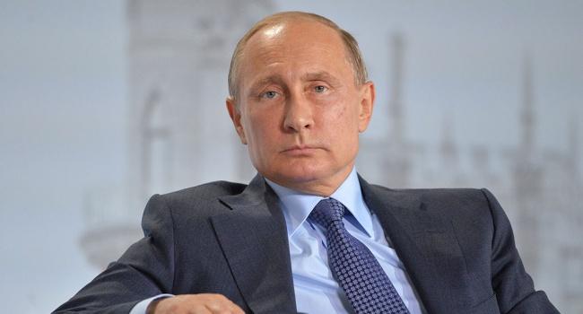 Политолог: Путина можно легко отстранить от власти