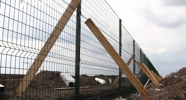 Ще2 підозрюваних урозкраданні коштів зпроекту «Стіна» заарештували