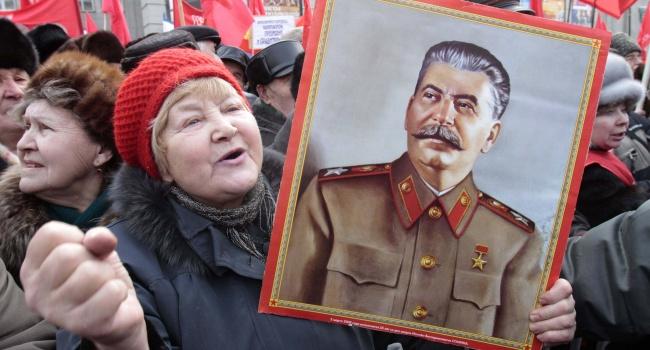 «За поребриком» вже палає: у мережі з'явився трейлер комедії «Смерть Сталіна» (відео)