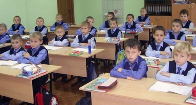 Боевики Донбасса запретили мальчишкам учиться вшколе сдевочками