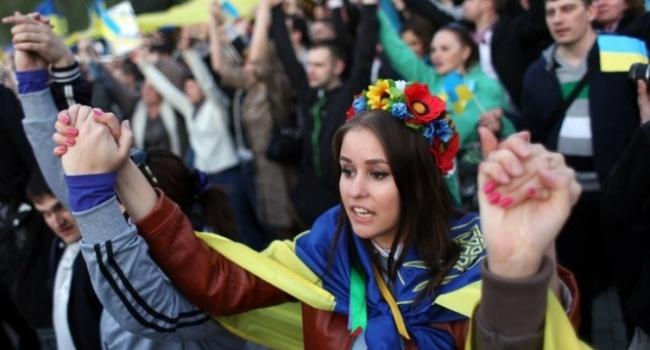 Украинцев узнают повсей планете попатологической ненависти к Российской Федерации