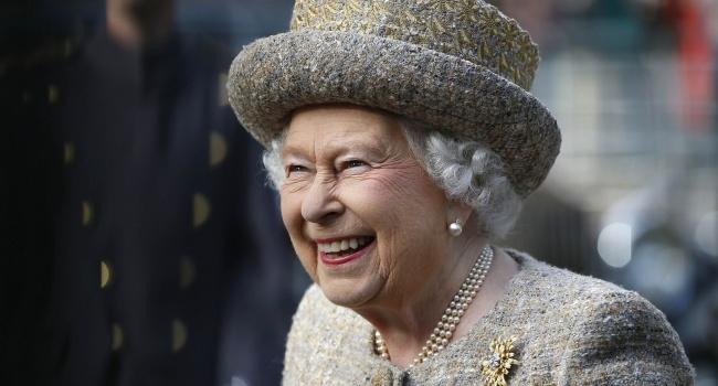 Королева Англии  несобирается отрекаться отпрестола