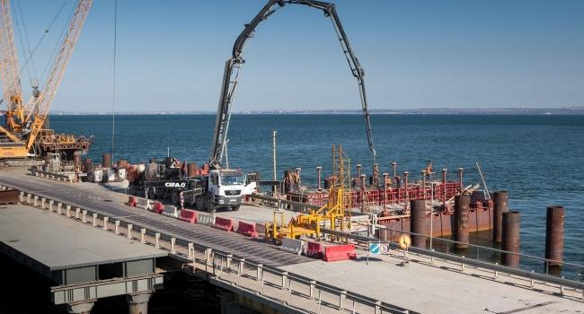 Эксперты: Украина должна ответить РФ за проблемы, связанные со строительством Керченского моста