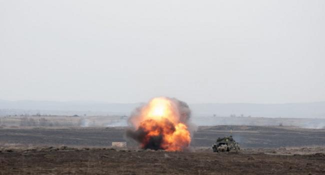 Наоккупированном Донбассе взорвался военный склад, повреждены дома мирных граждан,— ГУР