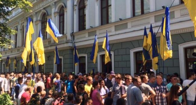 Богдан Карпенко дал совет, как не попасть на крючок провокации и в итоге не стать избирателем Тимошенко