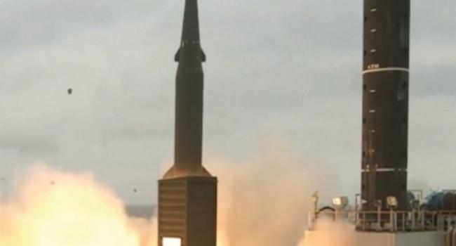 У Південній Кореї показали відео випробувань балістичних ракет