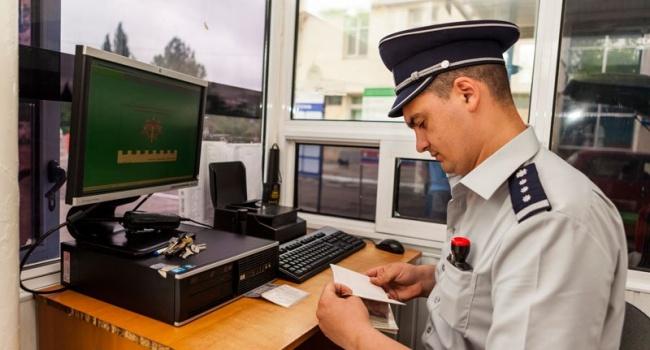 Власти Молдовы депортировали российского генерала вместе с делегацией
