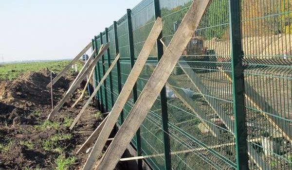 Польща побудує паркан на кордоні з Україною і Білоруссю