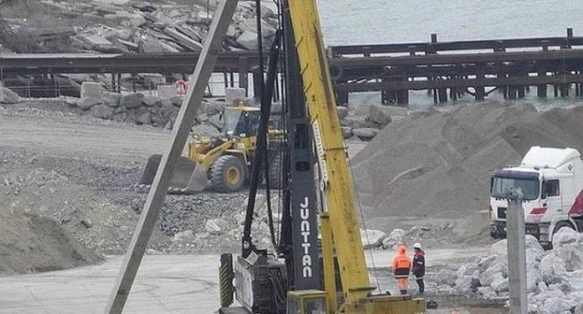На будівництві Керченського мосту помітили «санкційне» обладнання з Фінляндії