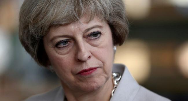 Мэй может оставить пост премьера Англии через полгода