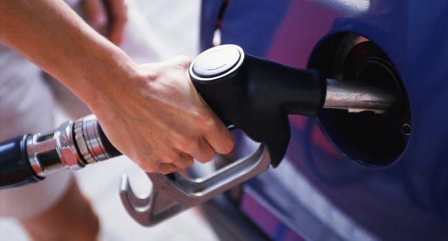 Провідні мережі АЗС продовжують піднімати ціни набензин