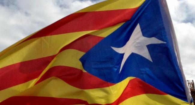 РФ  считает референдум вКаталонии внутренним делом Испании, европейская комиссия  назвала его преступным
