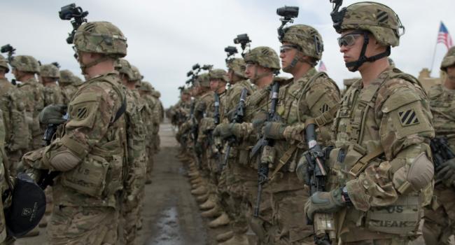 ВЛитве солдатам НATO докладывают  обугрозе взлома ихтелефонов