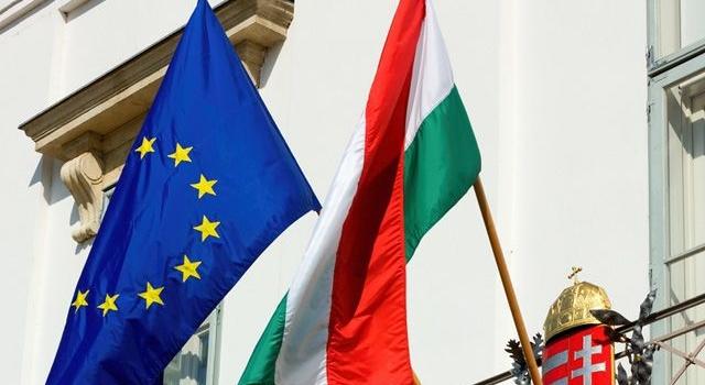 Бильдт: Венгрия играет вгрязную националистическую политику