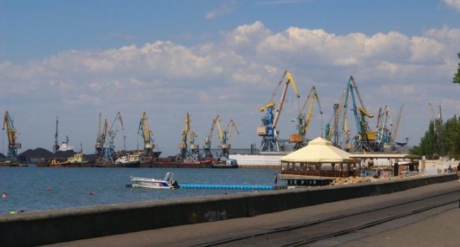 Бердянский порт понес убытки из-за Керченского моста