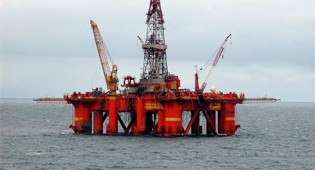 «Роснефть» заморозила добычу нефти вЧерном море из-за санкций